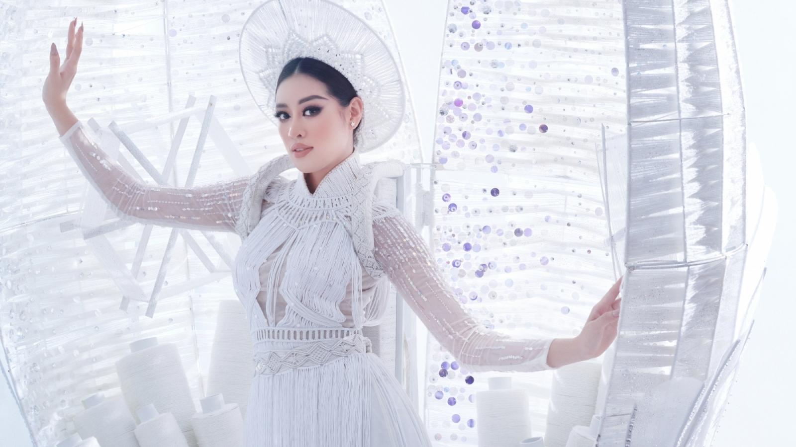 """Khánh Vân thể hiện thế nào trên """"đường đua"""" chinh phục vương miện Miss Universe?"""