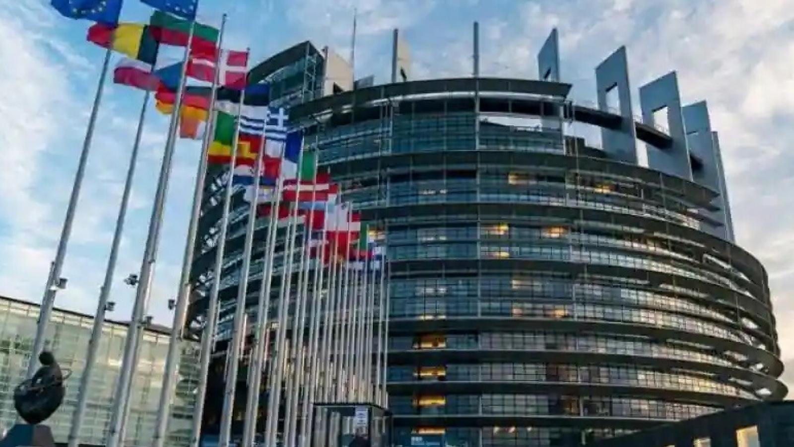Nghị viện châu Âu thông qua quỹ 21 tỷ USD hỗ trợ các nước EU bỏ nhiên liệu hóa thạch