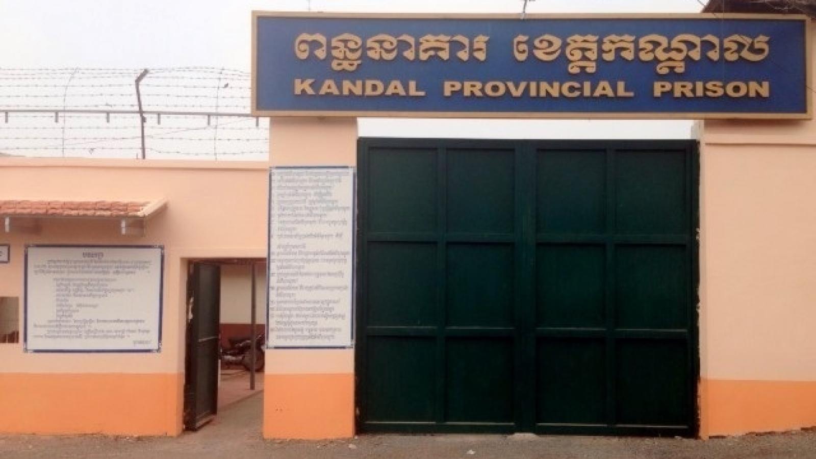 Covid-19 xâm nhập nhà tù Campuchia, hàng trăm phạm nhân dương tính