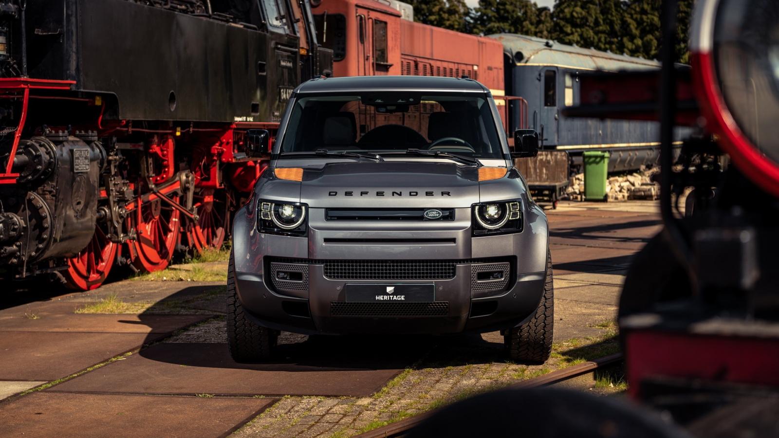 """Cận cảnh Land Rover Defender 2021 phiên bản """"rỉ sét"""""""