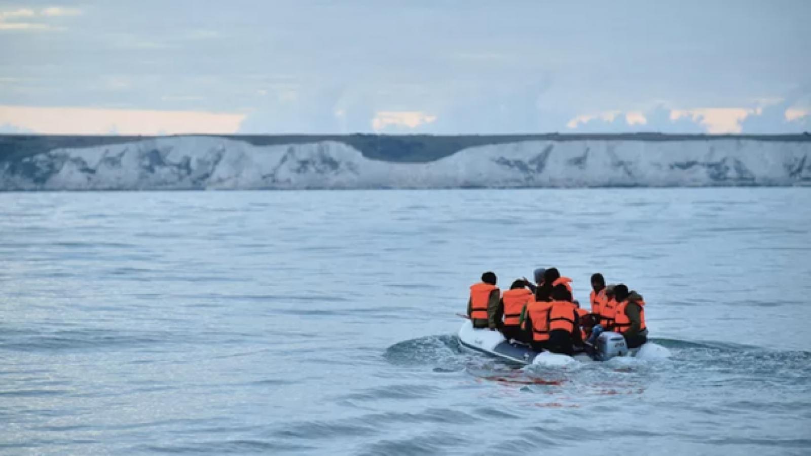 Thông tin vụ việc nhiều người Việt được cảnh sát Bỉ cứu trên biển khi vượt biên sang Anh