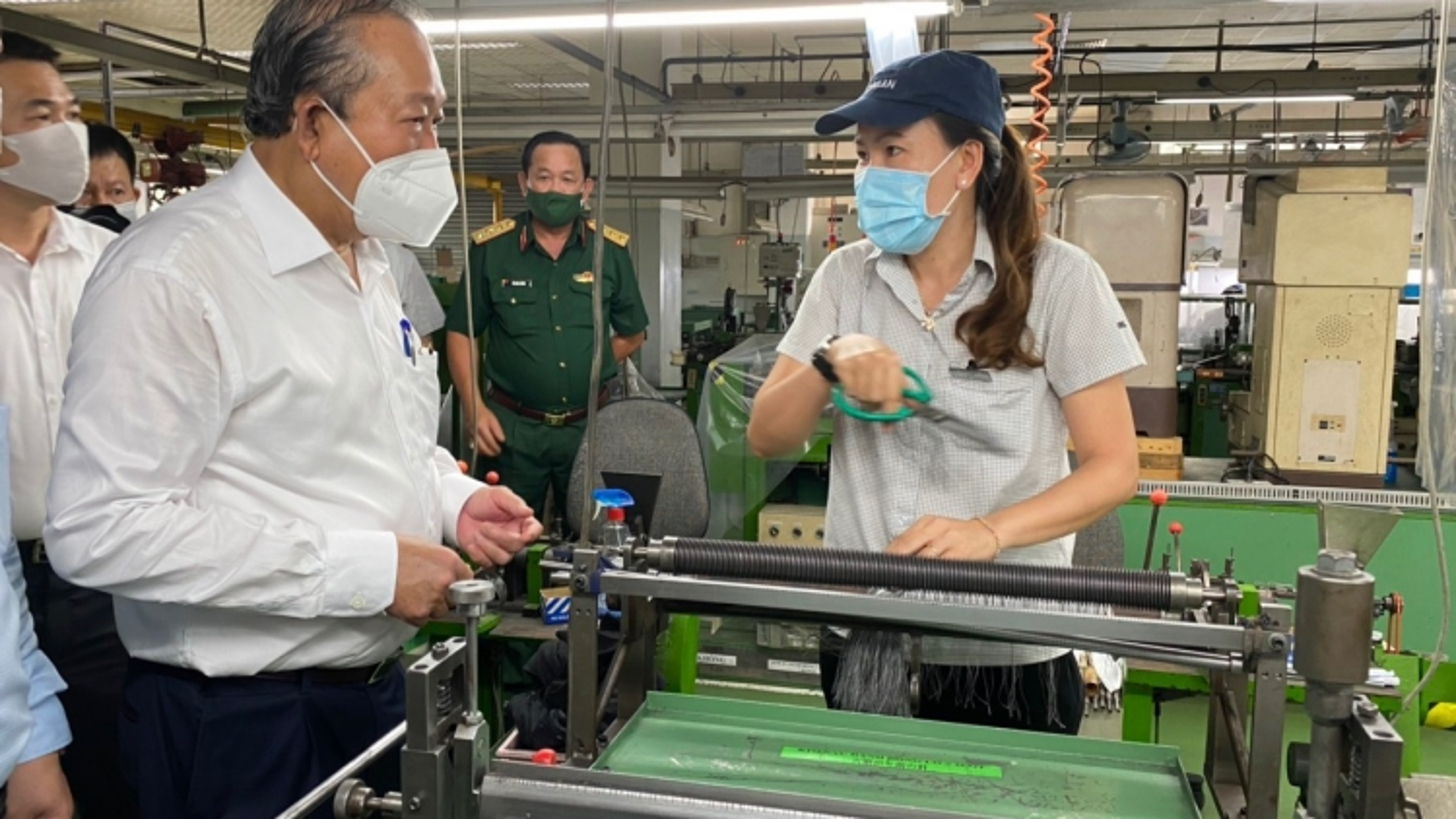 Phó Thủ tướng Trương Hòa Bình kiểm tra công tác chống dịch tại TP.HCM