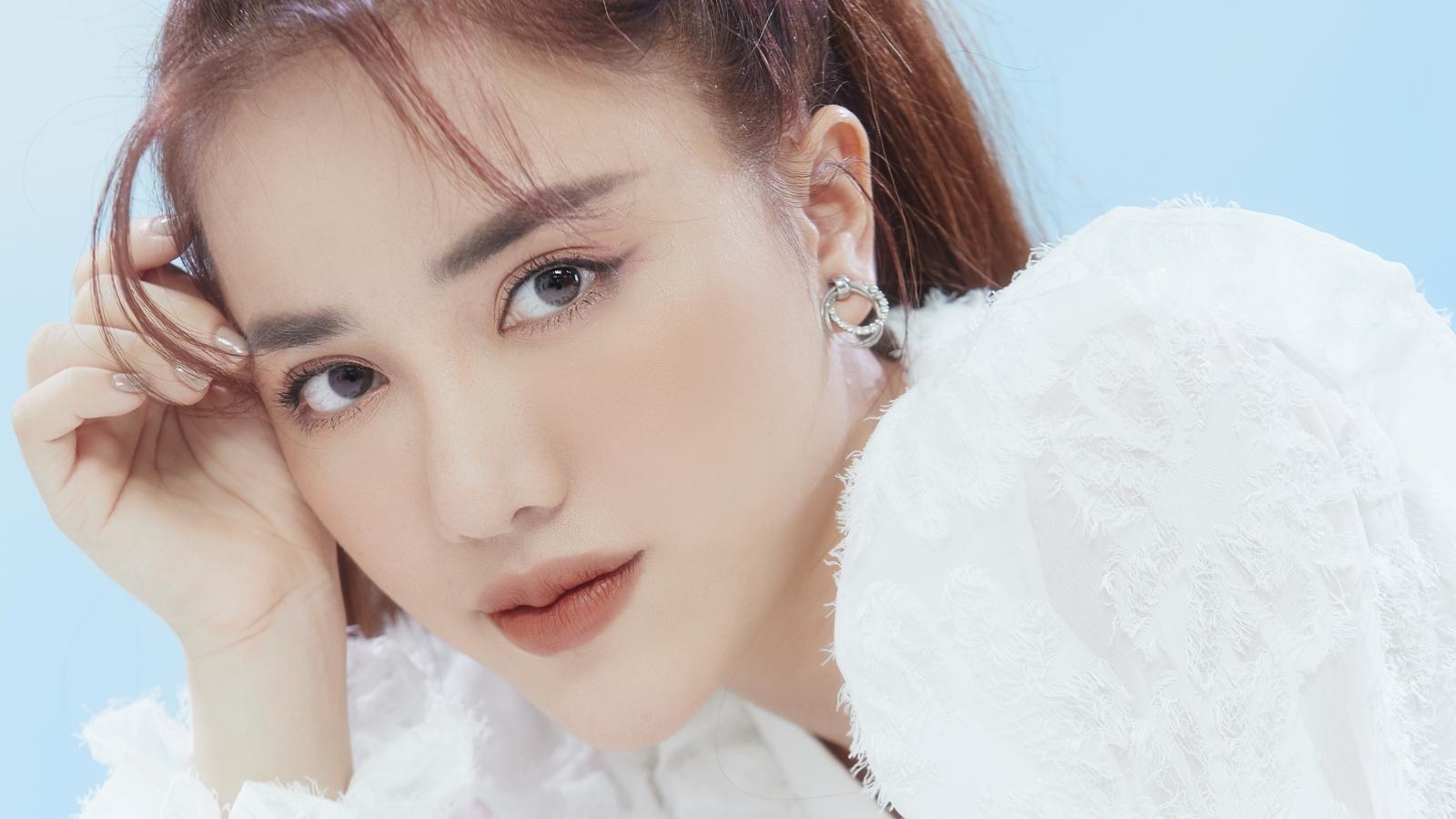 """Phùng Khánh Linh tung ca khúc được yêu thích nhất album """"Yesteryear"""" mừng sinh nhật"""