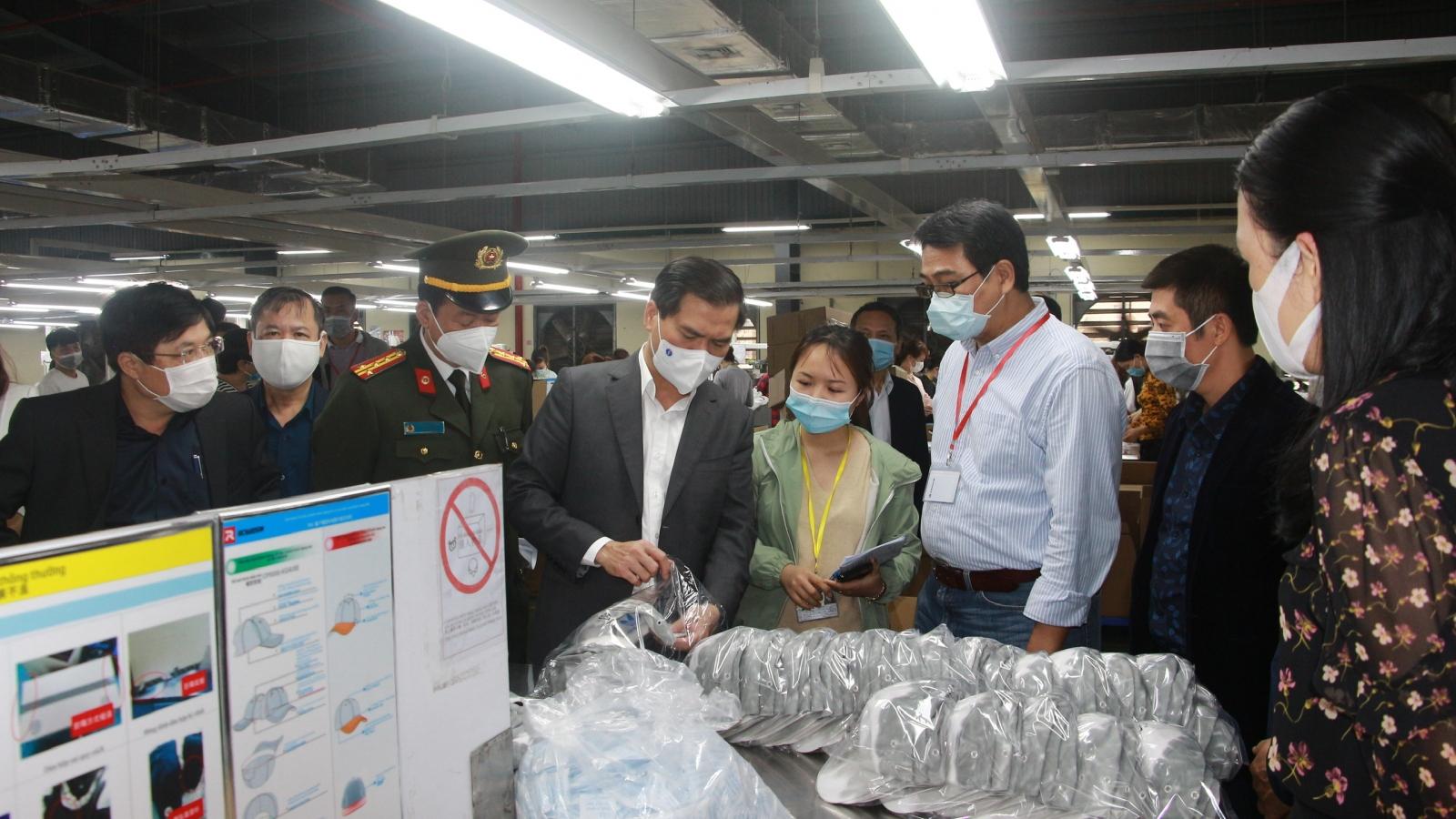 """Phòng chống dịch """"3 vòng"""" ở các Khu công nghiệp Quảng Ninh"""