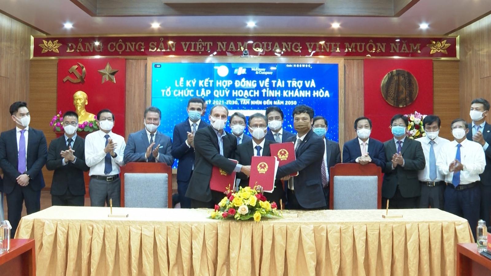 Lập quy hoạch để đưa Khánh Hòa trở thành trung tâm kinh tế biển của cả nước