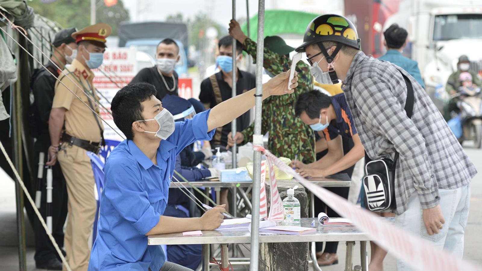 Tài xế xe hàng vào Quảng Ninh phải có xét nghiệm SARS-COV-2 âm tính trong vòng 7 ngày