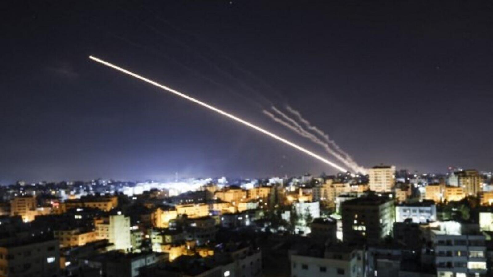 Israel bị tấn công tên lửa từ Syria