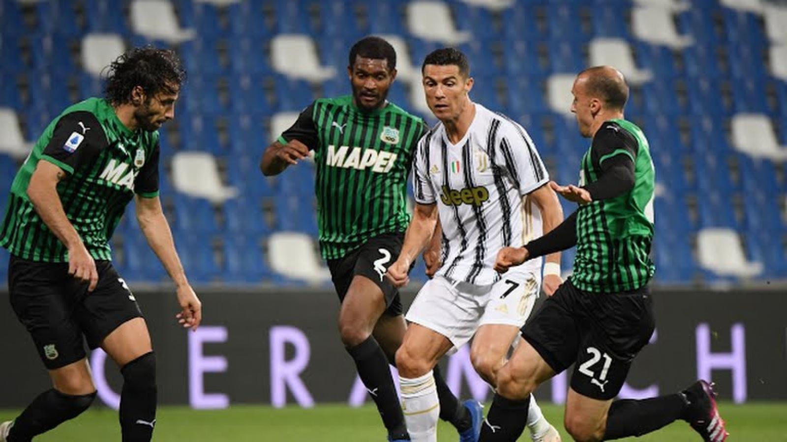 Ronaldo tỏa sáng, Juventus nuôi hy vọng dự Champion League