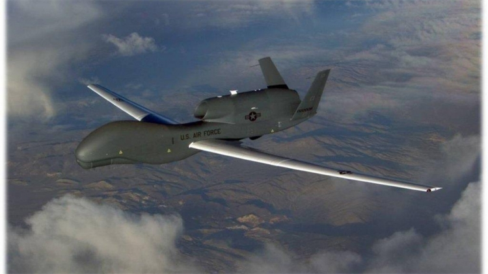 """Vai trò của """"Ác điểu"""" RQ-4 Global Hawk trong hoạt động cứu trợ thảm họa"""