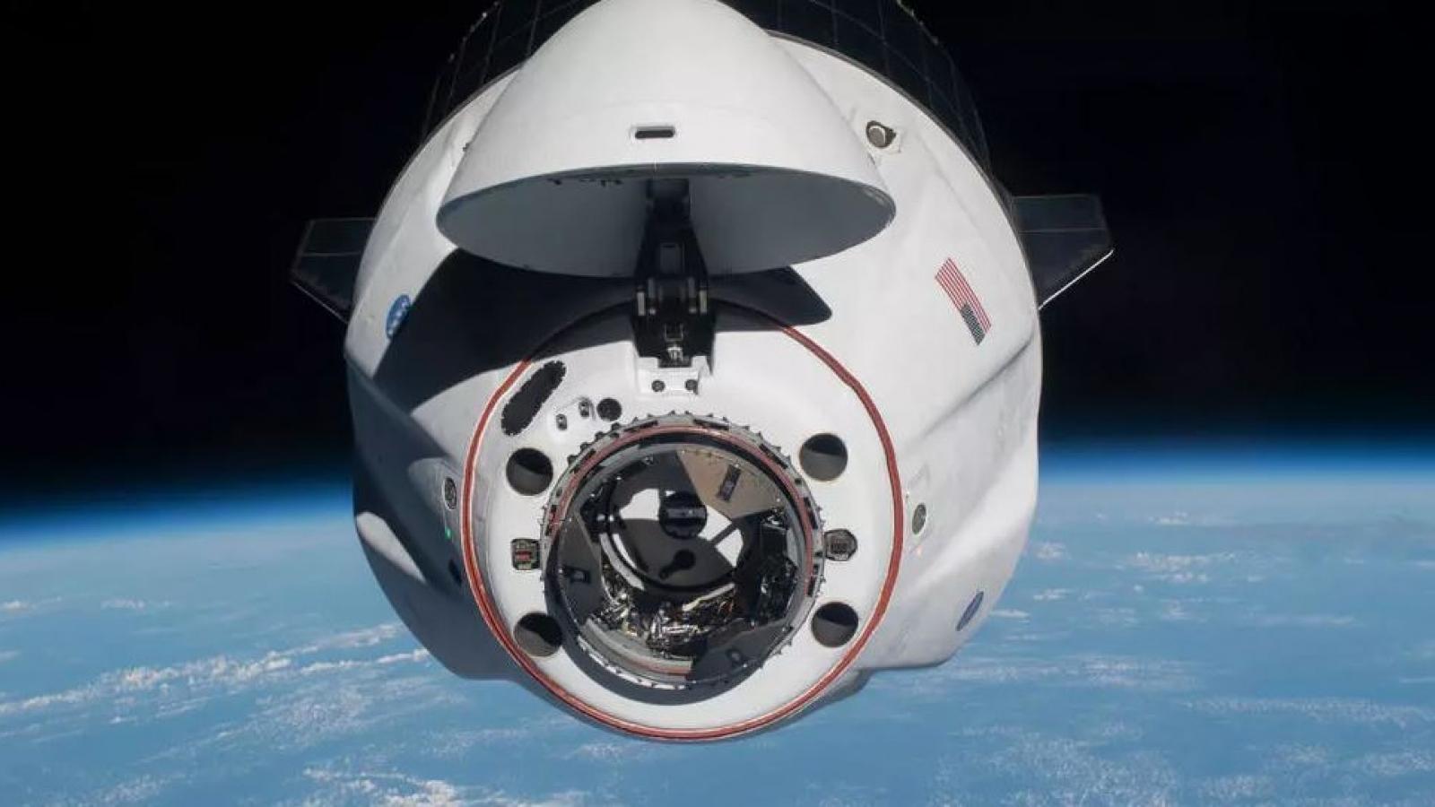 Tàu vũ trụ đưa 4 phi hành gia từ Trạm Vũ trụ Quốc tế trở về Trái Đất