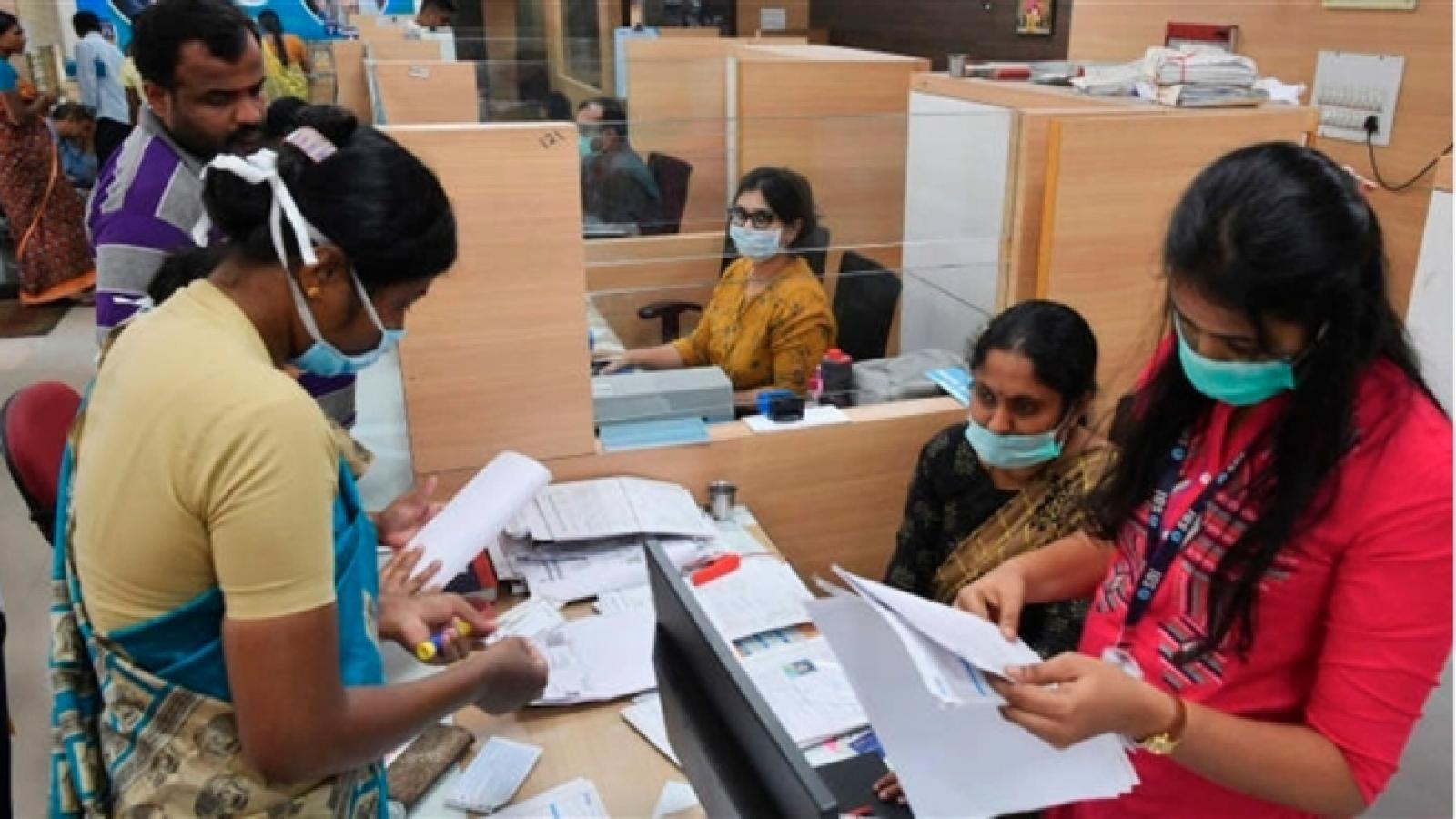 Các ngân hàng quốc tế đang rút dần khỏi Ấn Độ