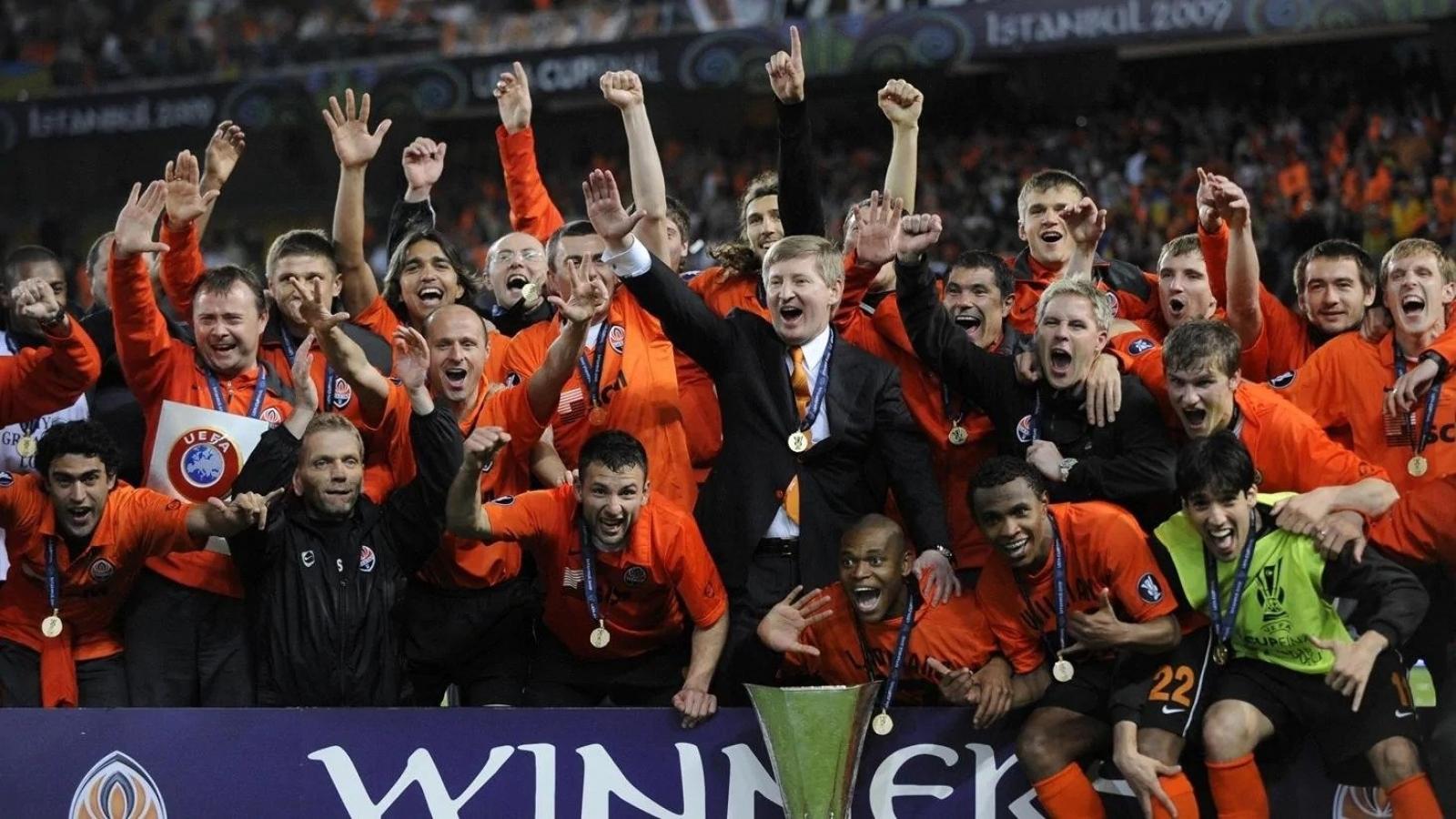 Ngày này năm xưa: UEFA Cup đón nhà vô địch cuối cùng