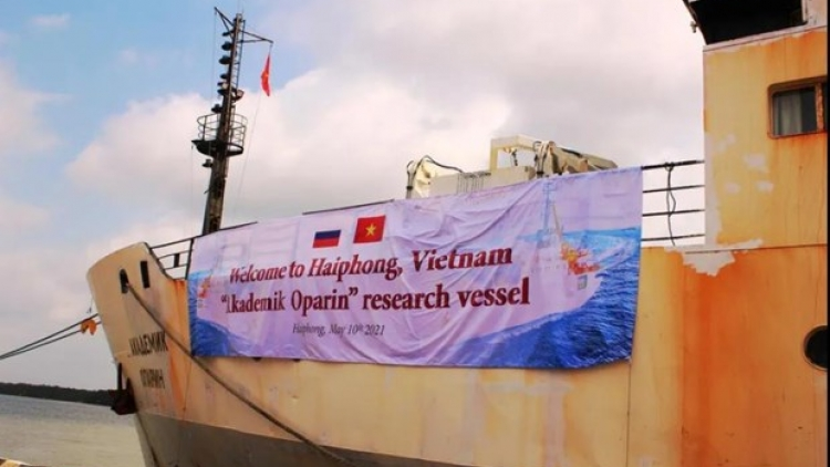 Vietnamese, Russian scientists conduct joint survey in East Sea