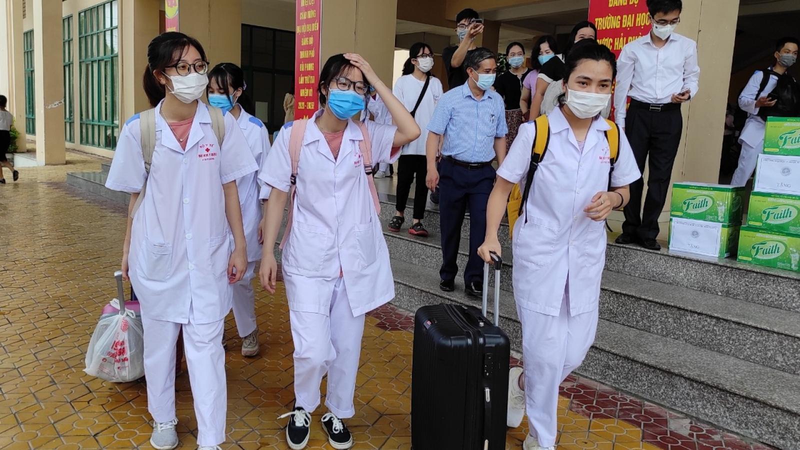 Đoàn tình nguyện Hải Phòng, Yên Bái lên đường đến Bắc Giang hỗ trợ chống dịch