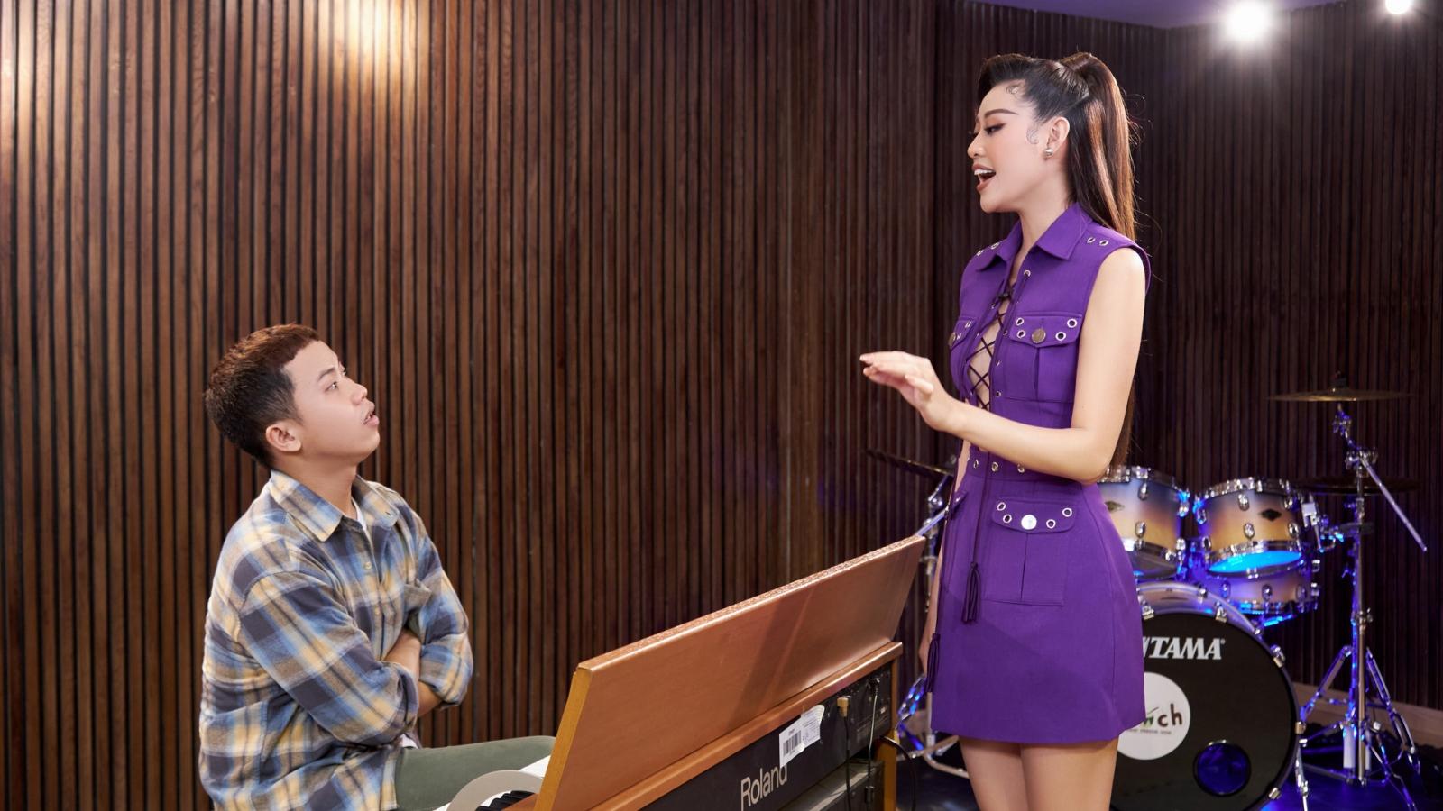 Hoa hậu Khánh Vân luyện thanh nhạc chỉ để hô tên tại Miss Universe 2020
