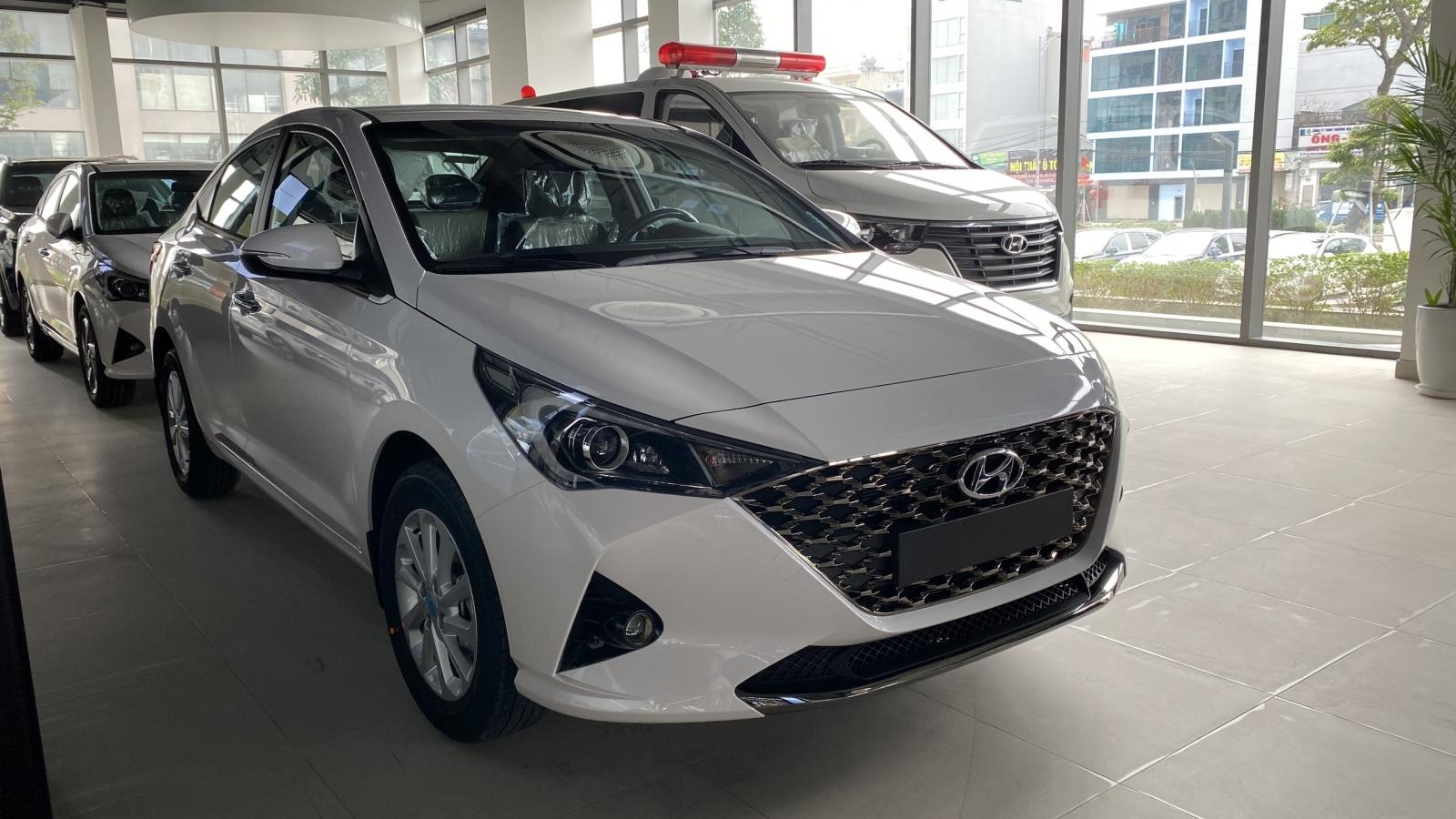 Top 10 ô tô bán chạy nhất tháng 4: Cuộc đua của Hyundai Accent và Toyota Vios