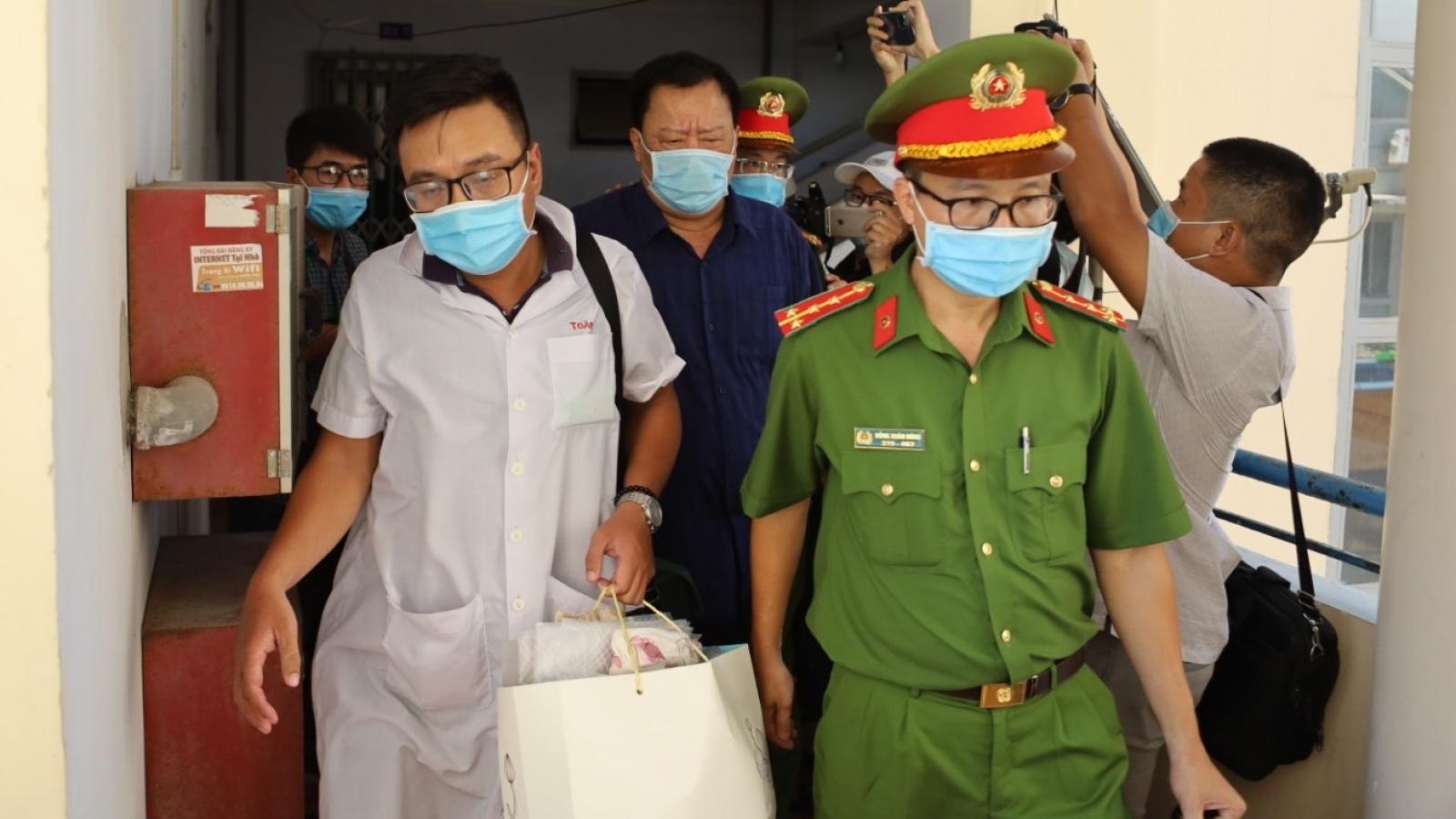 Nguyên Phó Chủ tịch UBND tỉnh Khánh Hoà Đào Công Thiên nhập viện trước khi bị bắt