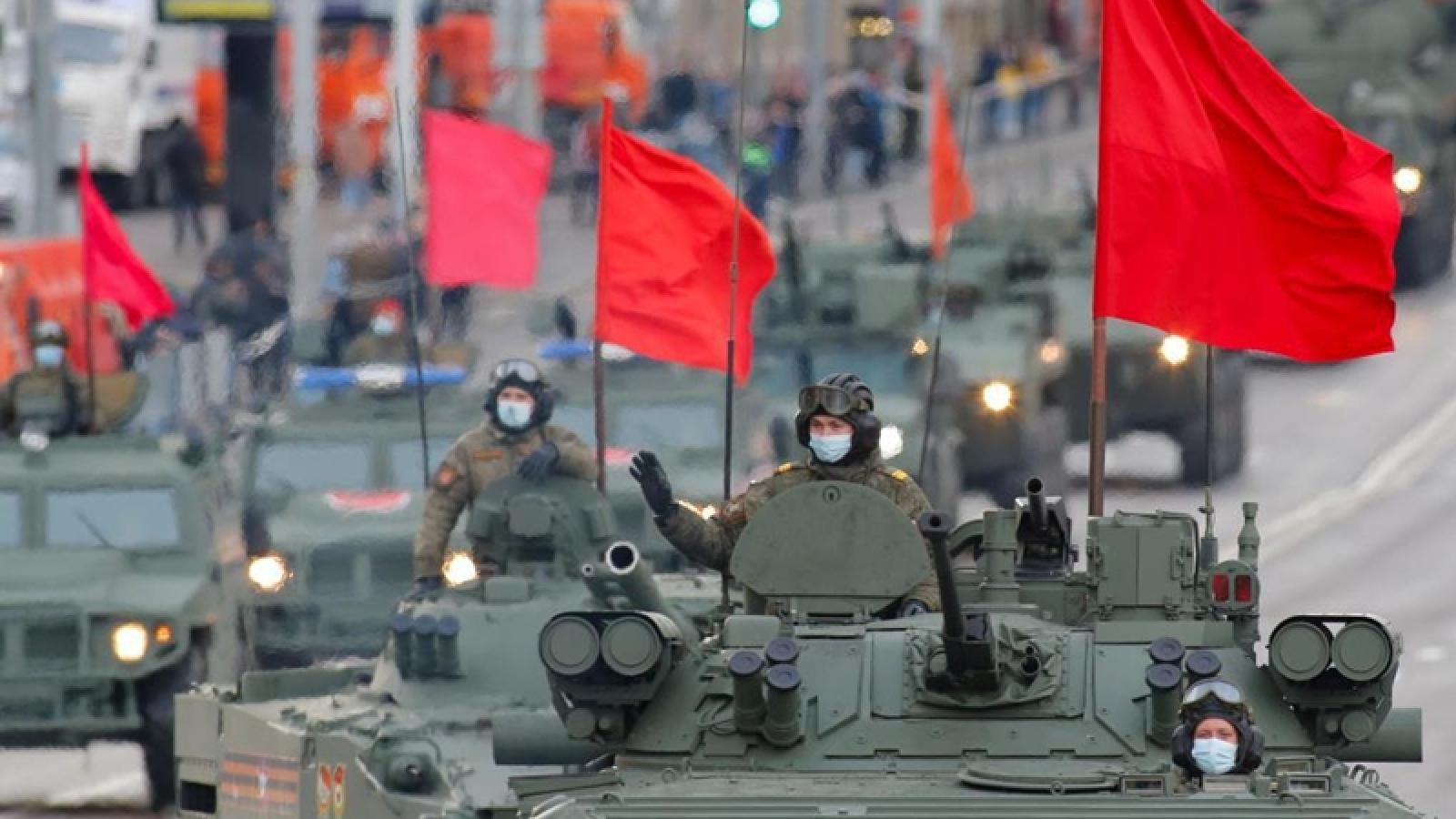 Cận cảnh Nga tổng duyệt cho lễ duyệt binh kỷ niệm Ngày chiến thắng tại Quảng trường Đỏ