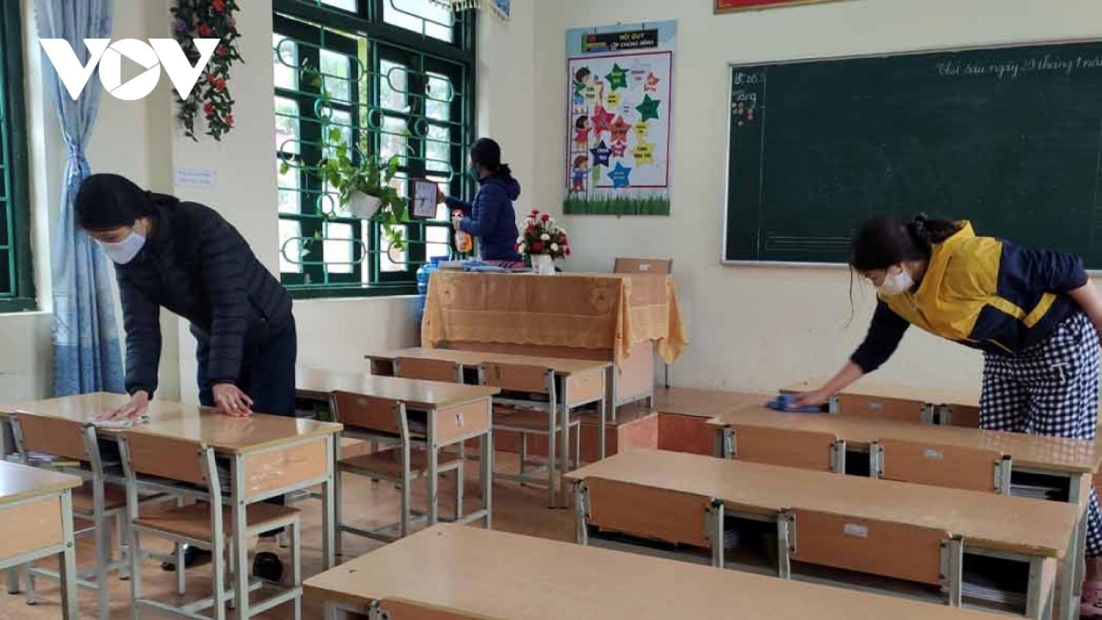 Cập nhật: Nhiều tỉnh, thành cho học sinh tạm dừng đến trường phòng tránh Covid-19