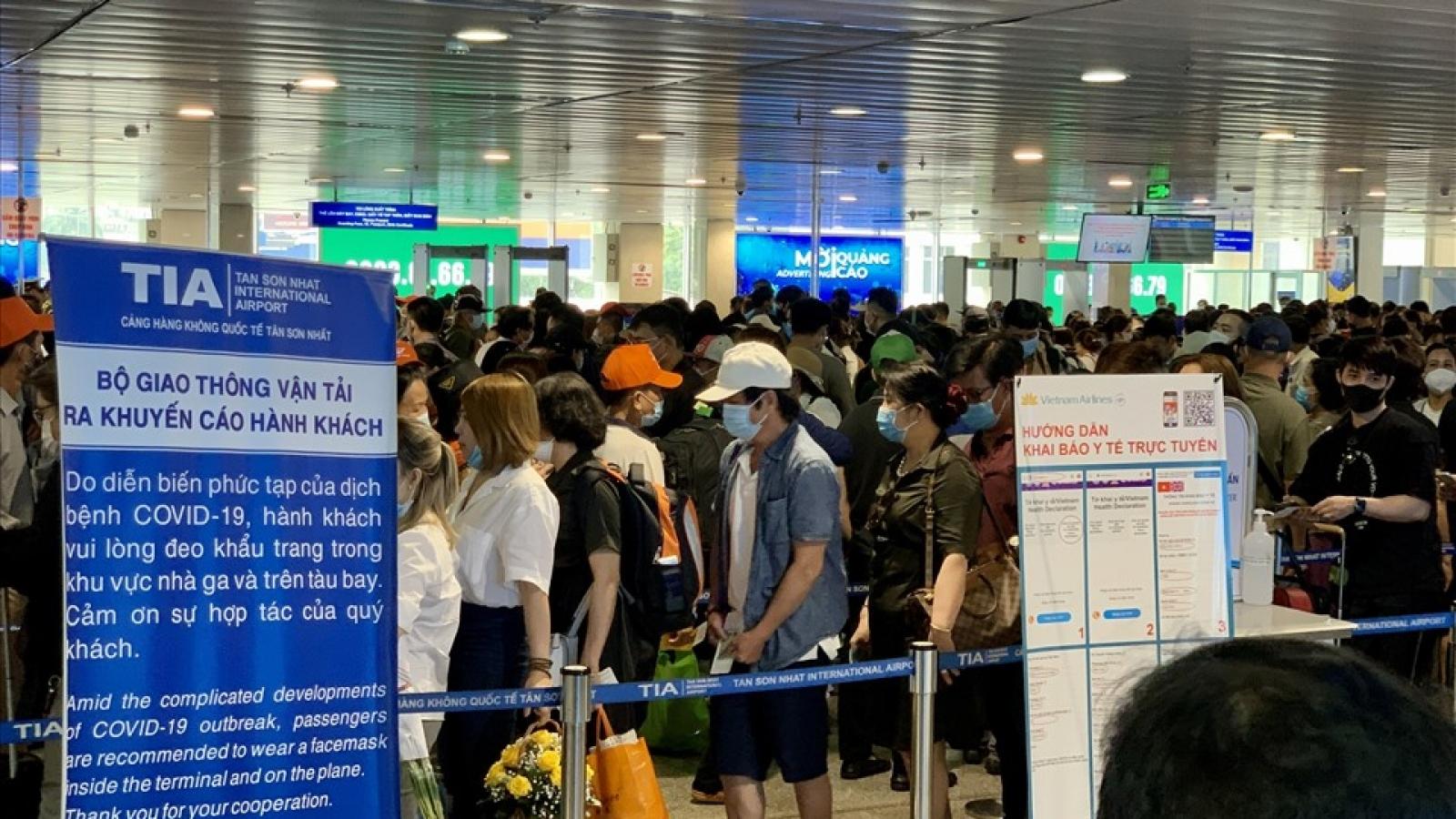 Sân bay Tân Sơn Nhất tạm dừng các chuyến bay chở khách nhập cảnh