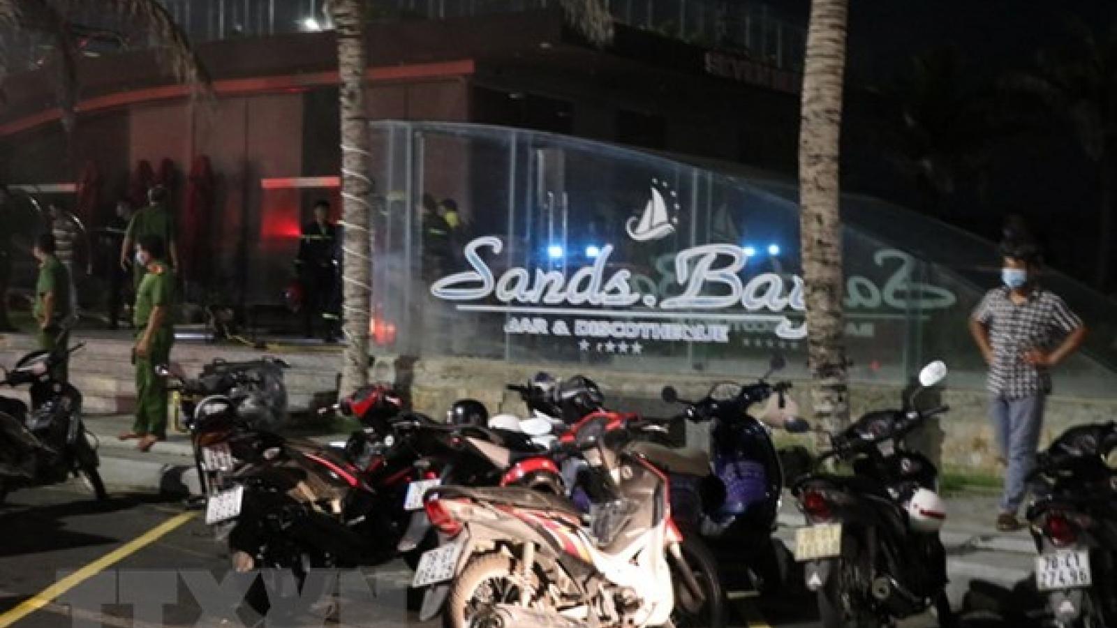 Một vụ cháy lớn xảy ra tại quán bar Sands Bay, Phú Yên