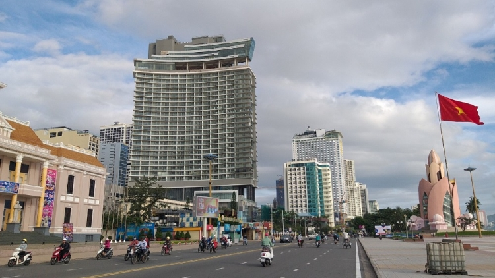 Khánh Hòa ngăn chặn đà suy giảm kinh tế