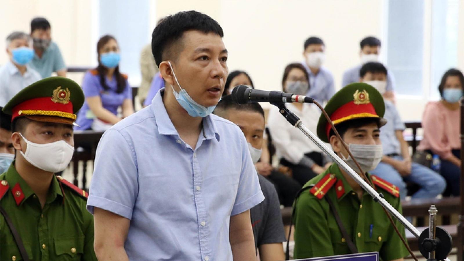 """Bị cáo vụ Nhật Cường: """"Bố mẹ già đau xót khi hai anh em đối diện án tù"""""""