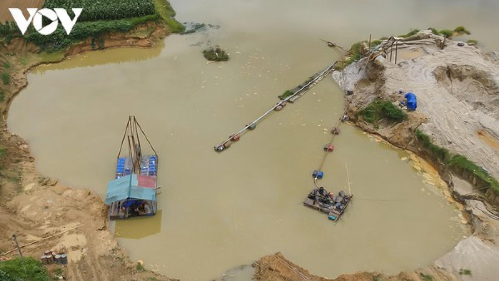 Yêu cầu công khai giấy phép khai thác cát, sỏi lòng sông để người dân giám sát