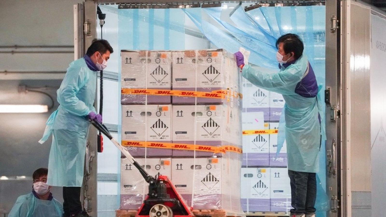 Hong Kong (Trung Quốc) đau đầu tìm cách xử lý vaccine sắp hết hạn