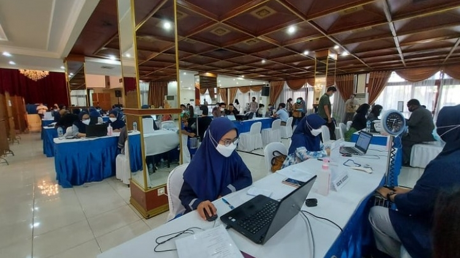 Indonesia tiêm chủng vaccine Covid-19 cho người nước ngoài