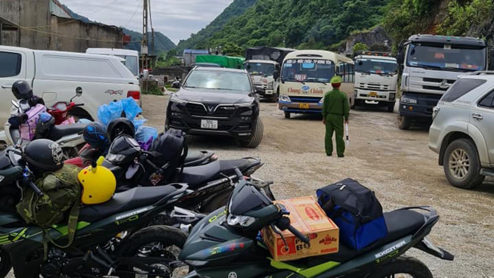 Hơn 47.000 người khai báo y tế tại trạm kiểm soát dịch Covid-19 Vân Hồ dịp nghỉ lễ