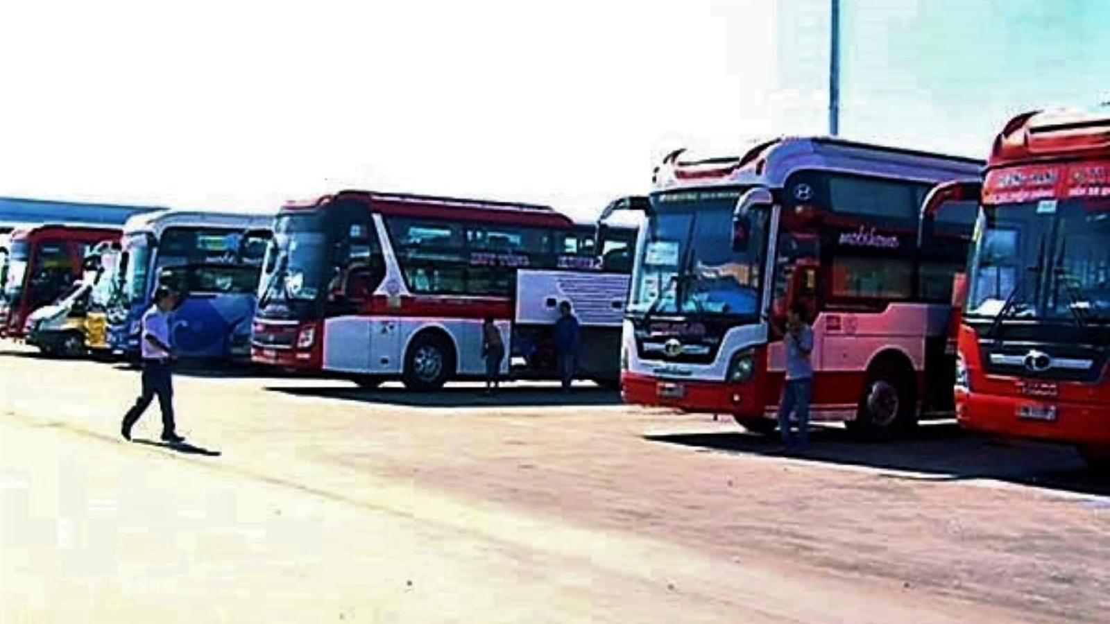 Quảng Ngãi tạm dừng vận tải hành khách đến các địa phương, vùng có dịch