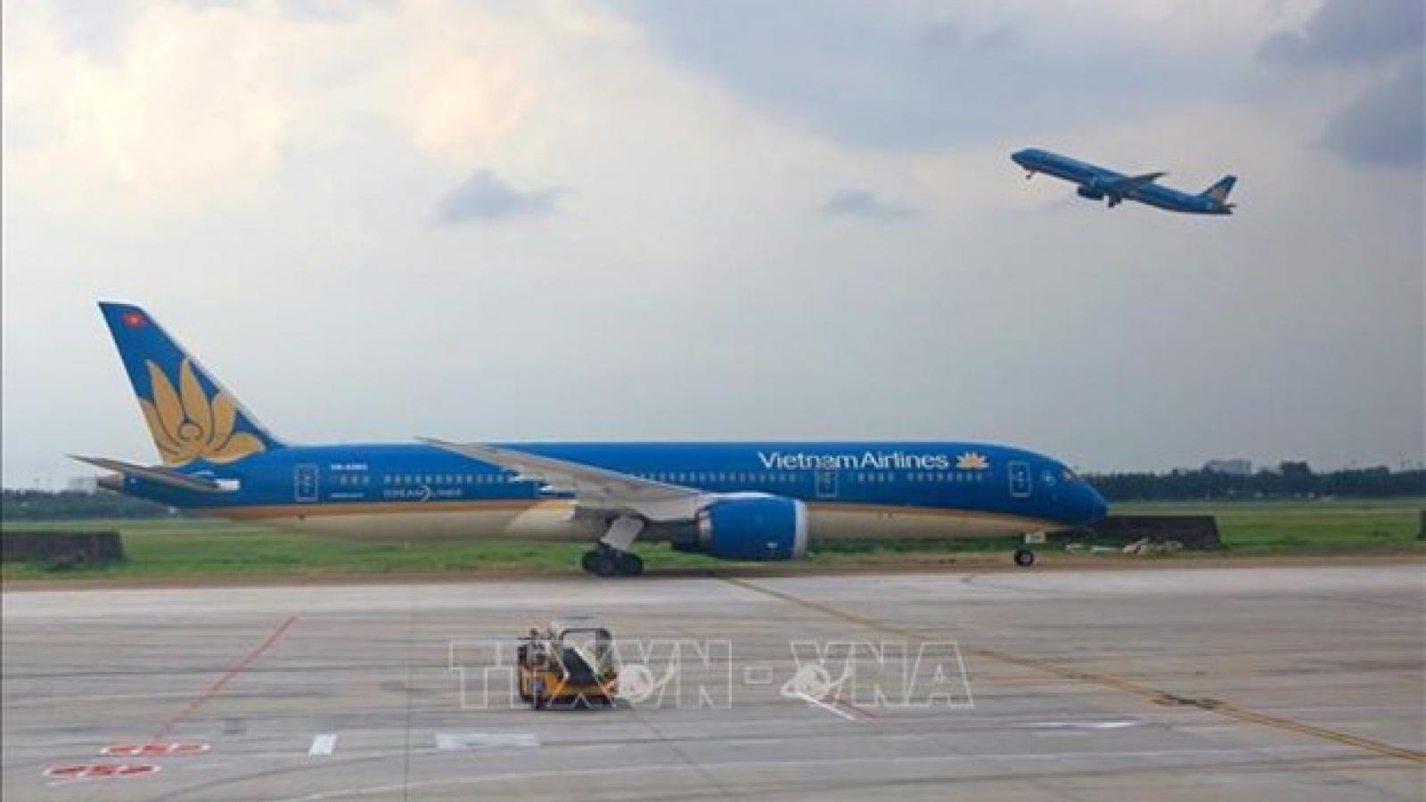 Vietnam Airlines allows free ticket change, refund amid COVID-19 resurgence