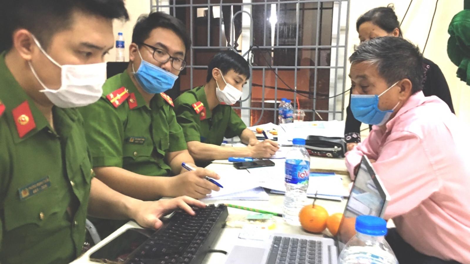 Hà Nội tạm dừng cấp căn cước công dân tại Đông Anh và Thanh Trì