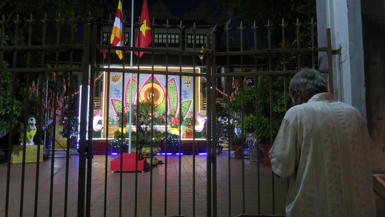 Đà Nẵng: Vắng lặng trong đêm Phật Đản