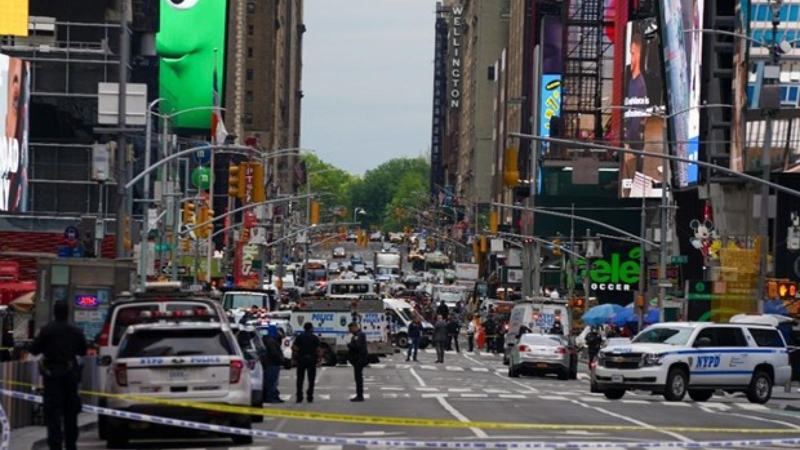 Xả súng ngay giữa Quảng trường Thời đại ở New York khiến 3 người bị thương