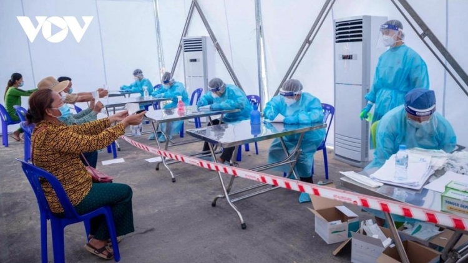 Ngày 21/6, có 267 ca mắc Covid-19 mới trong nước, riêng TP.HCM 166 ca