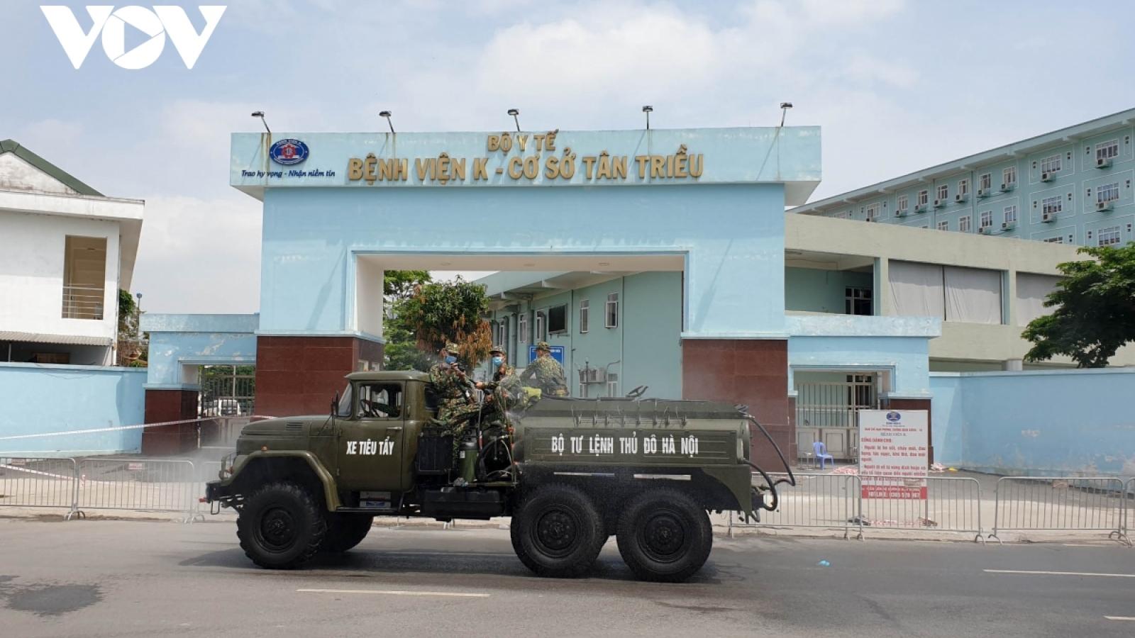 11 bệnh nhân Covid-19 tại Bệnh viện K được chuyển về BV Thanh Nhàn điều trị