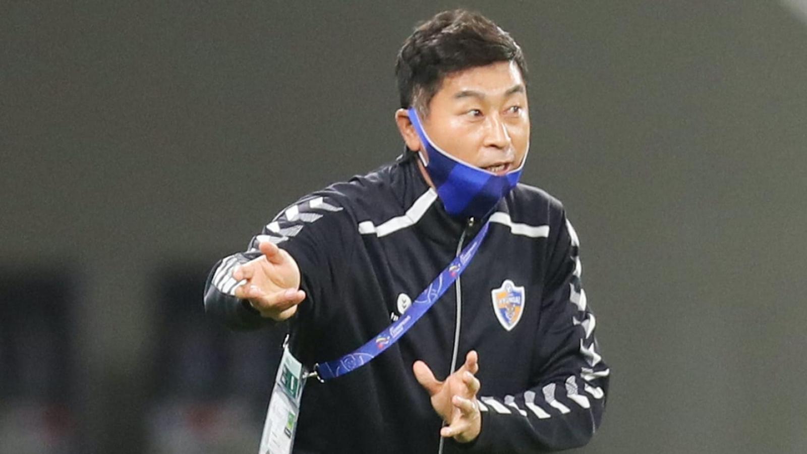 """""""HLV tin đồn"""" của Hà Nội FC chính thức dẫn dắt đội bóng Singapore"""