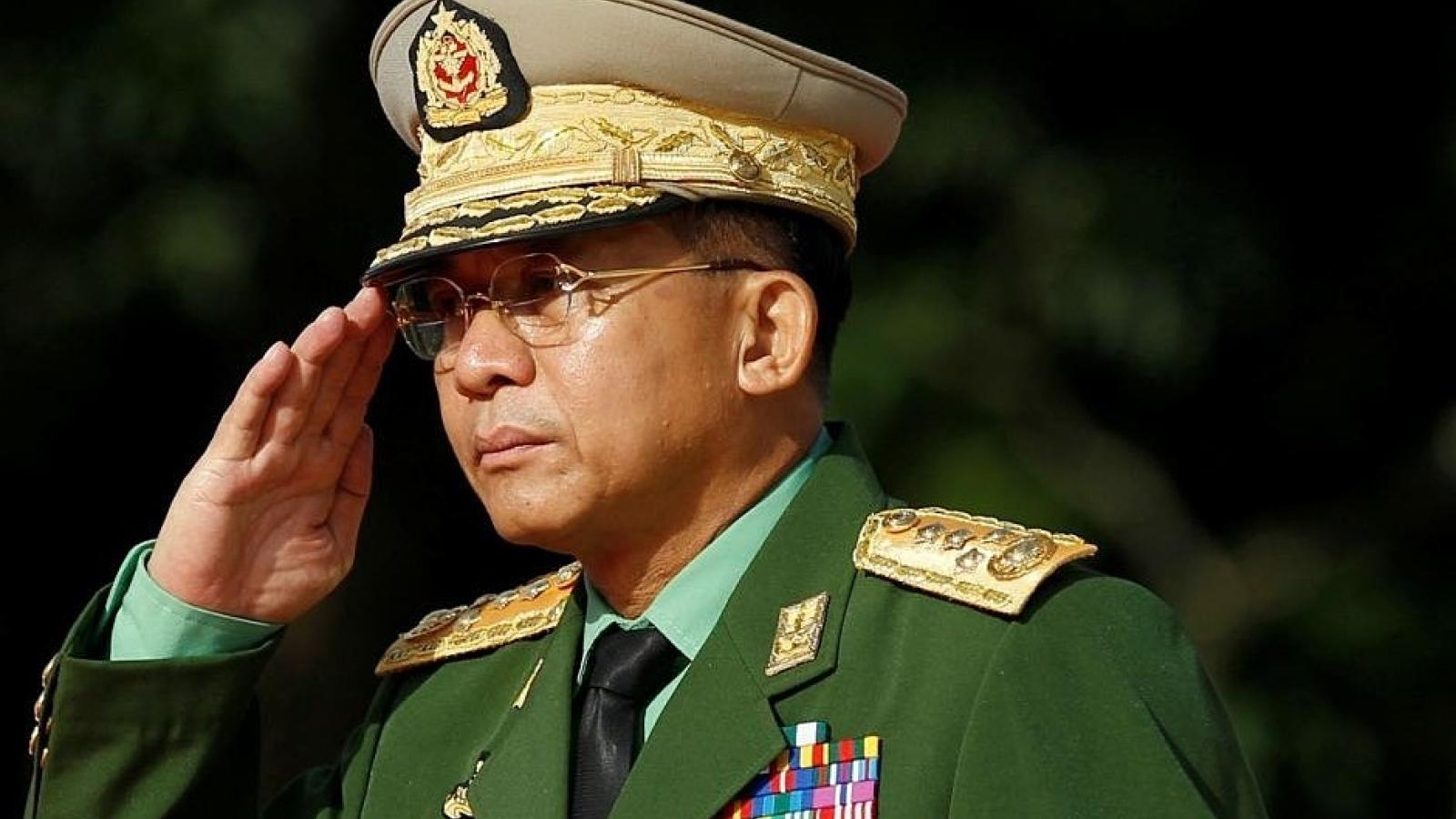 Các phái viên ASEAN thảo luận với lãnh đạo quân sự Myanmar để tháo gỡ bế tắc chính trị