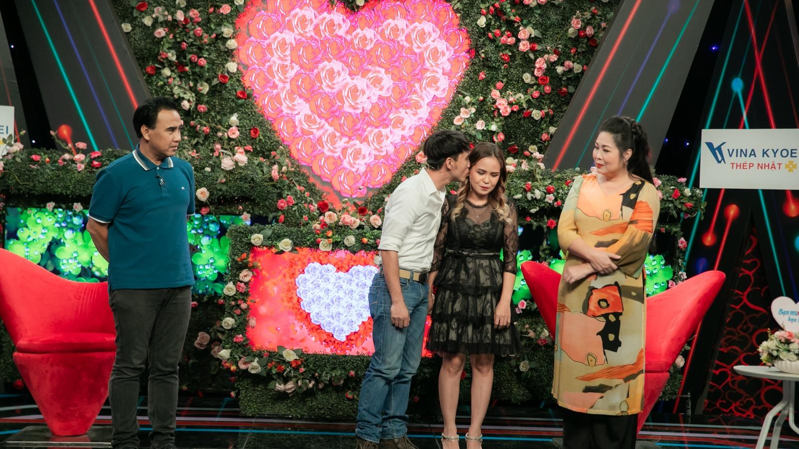 MC Quyền Linh chạnh lòng trước câu chuyện mẹ đơn thân tìm bố cho con