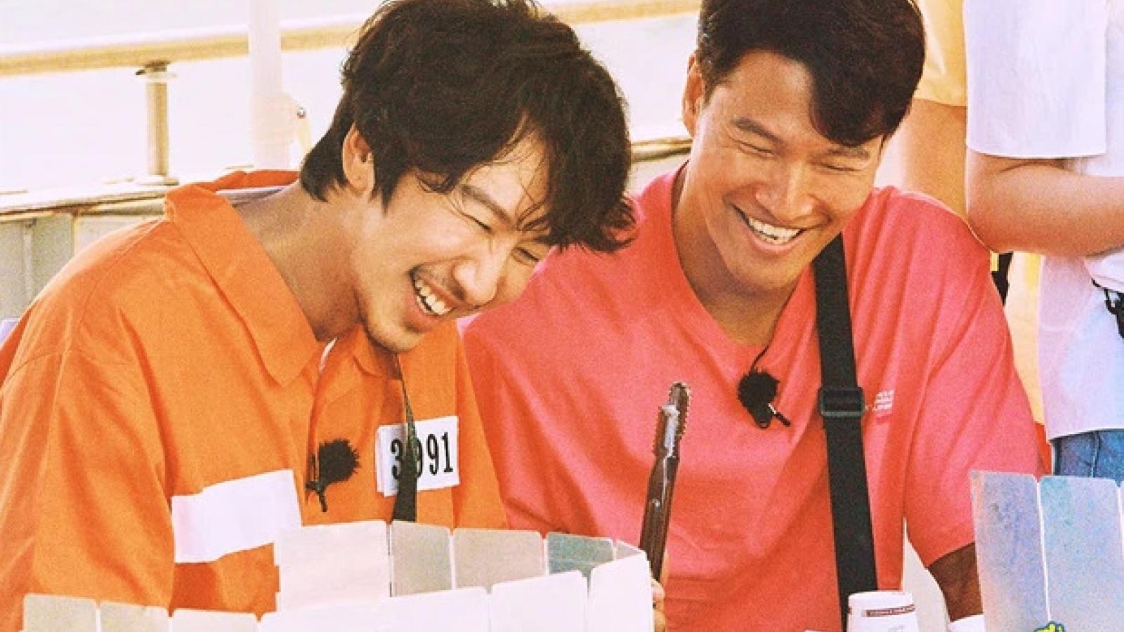 """Kim Joong Kook viết tâm thư, vẽ tranh tặng Lee Kwang Soo trong tập mới """"Running Man"""""""