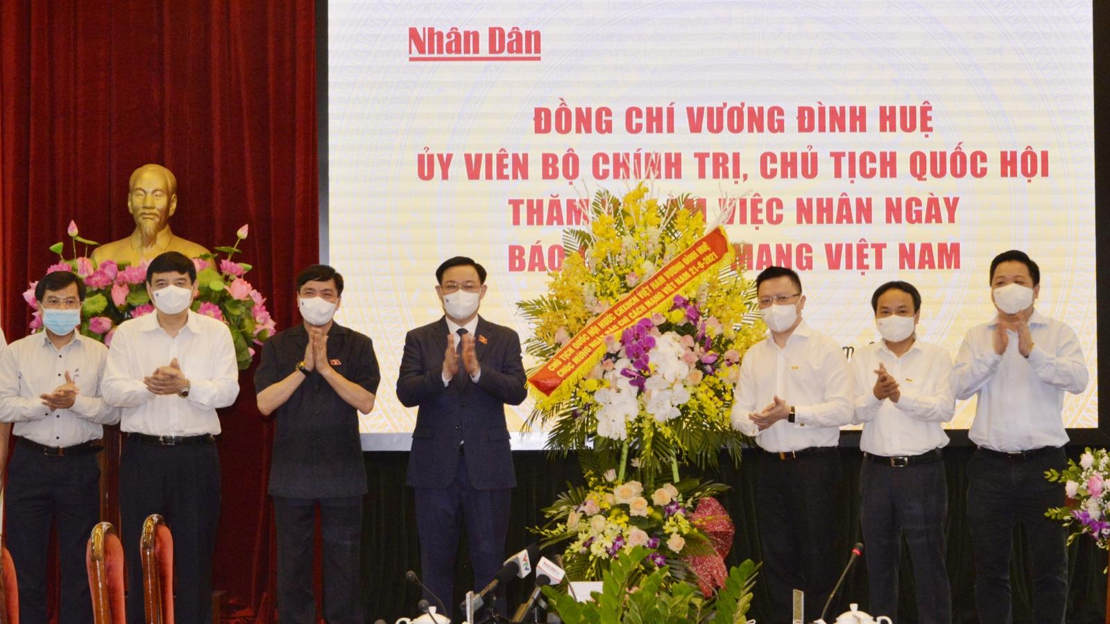 Chủ tịch Quốc hội Vương Đình Huệ: Báo chí là cầu nối hữu hiệu giữa Quốc hội với cử tri