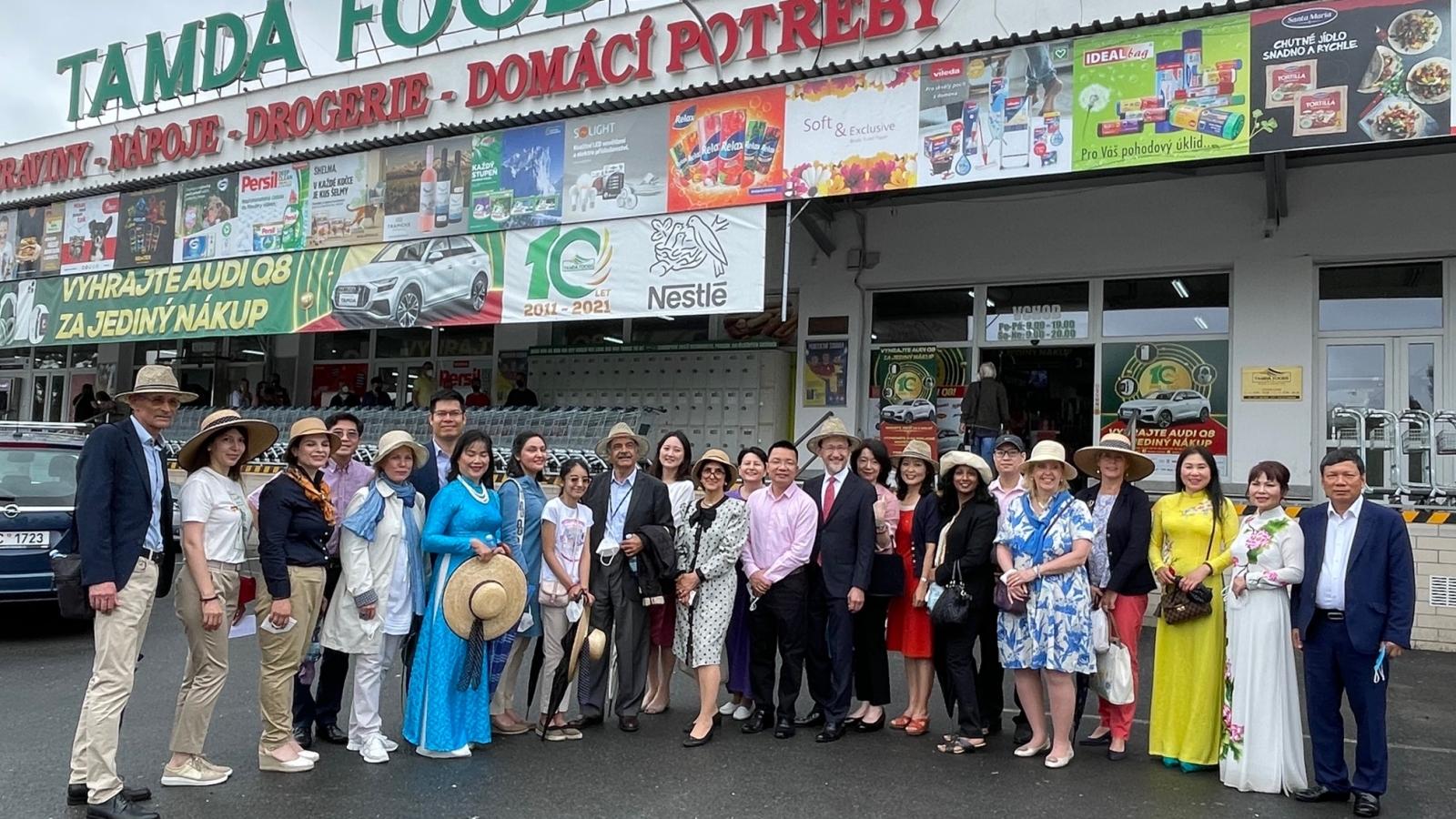 Quảng bá văn hóa Việt Nam tới đại diện các cơ quan ngoại giao nước ngoài tại Cộng hòaSéc