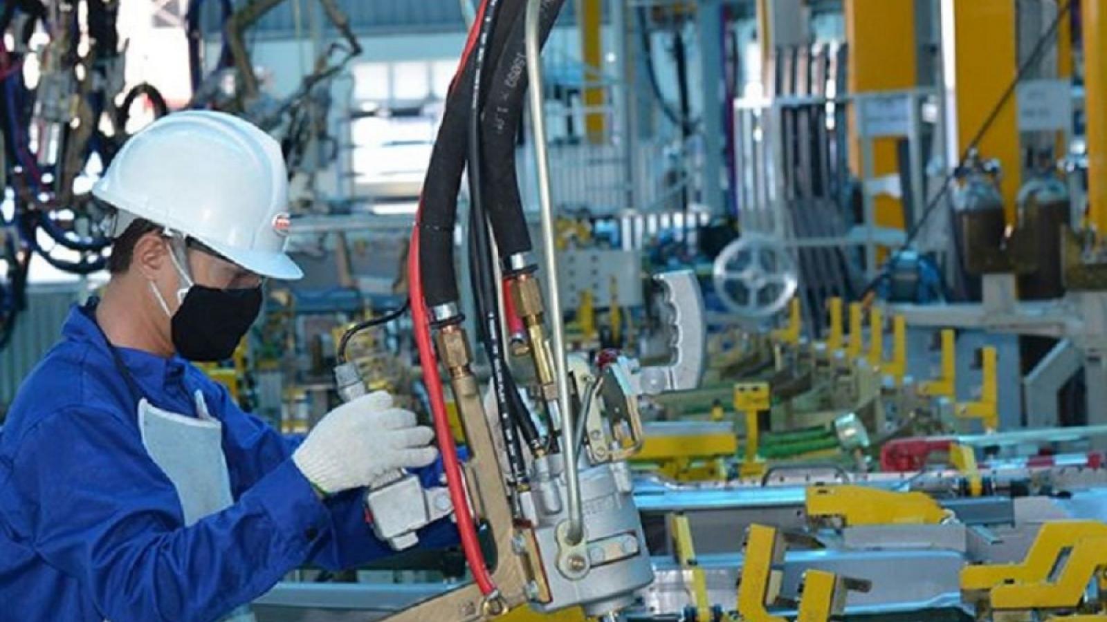 Vietnam's GDP rises 6.61% in QII despite COVID-19