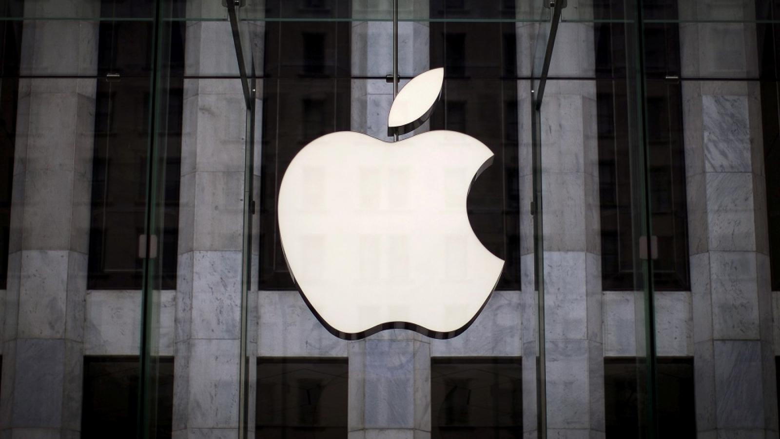 Apple muốn gắn camera trên người nhân viên để ngăn rò rỉ thông tin