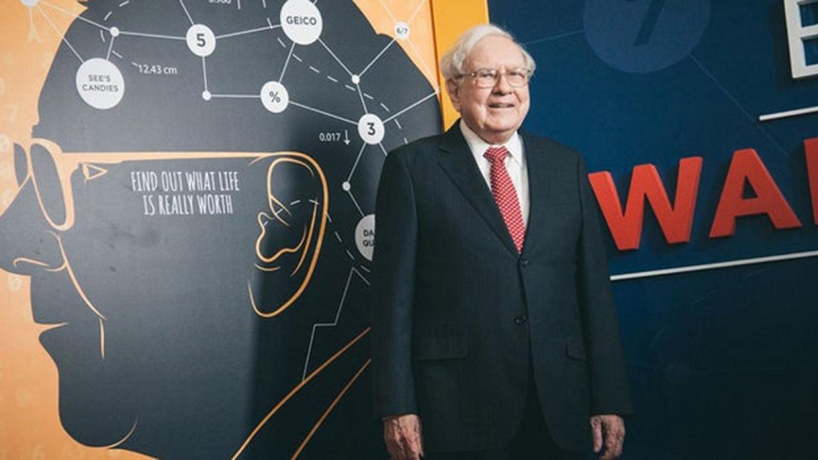 Những điều bất ngờ, thú vị về huyền thoại đầu tư người Mỹ Warren Buffett