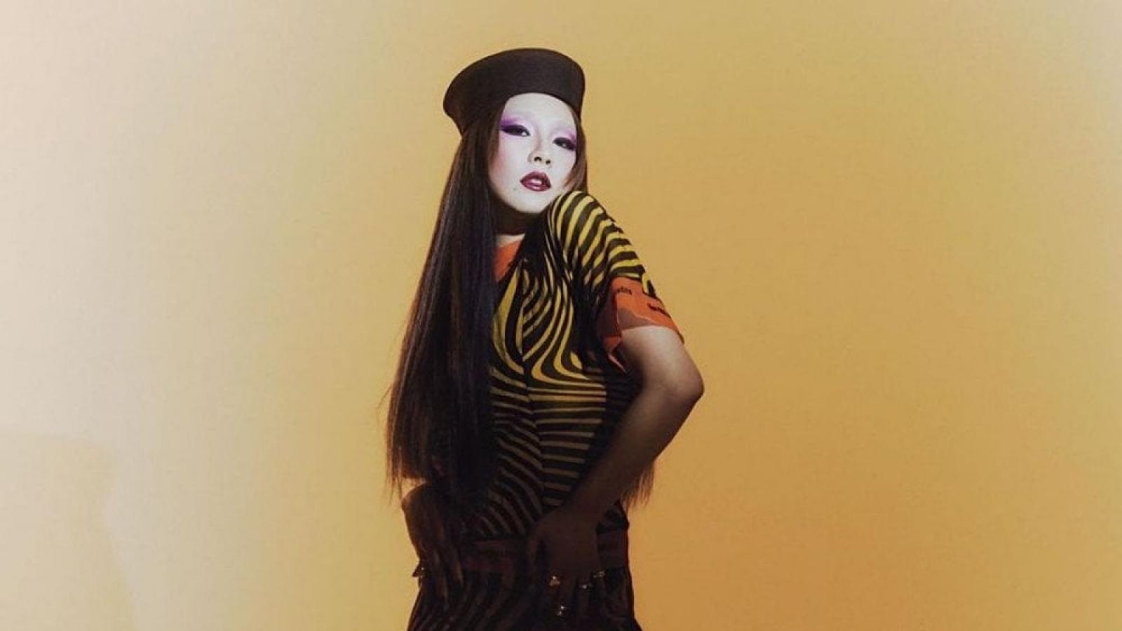 Giảm cân ngoạn mục, CL (2NE1) khác lạ trong loạt ảnh nghệ thuật trên tạp chí