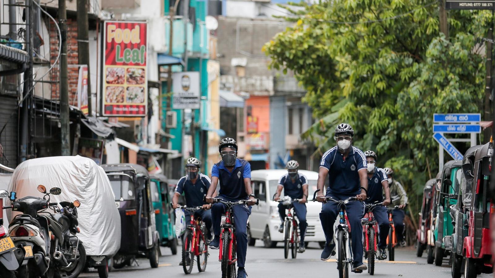 Sri Lanka dỡ bỏ tạm thời lệnh hạn chế đi lại trong nước
