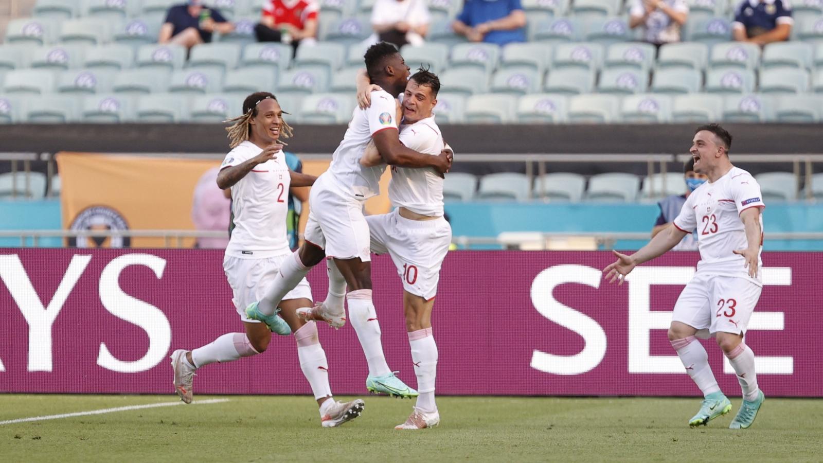 Trực tiếp Xứ Wales 0-1 Thụy Sĩ: Breel Embolo ghi bàn đẹp mắt